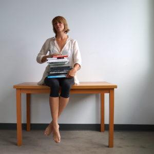 Autoportrait de Claire Moeder.